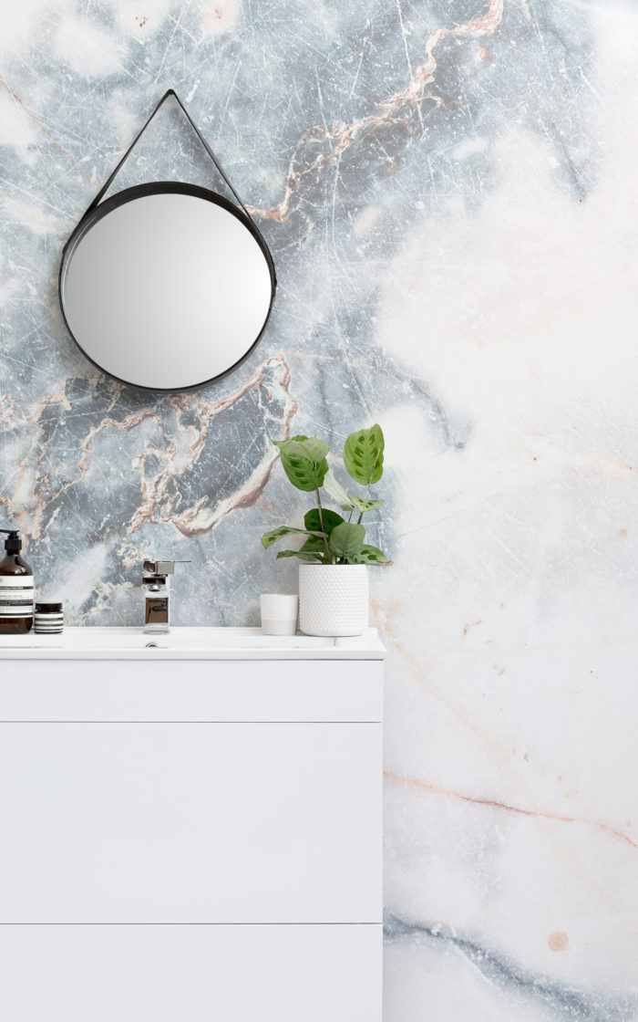 deep blue clouded marble wallpaper