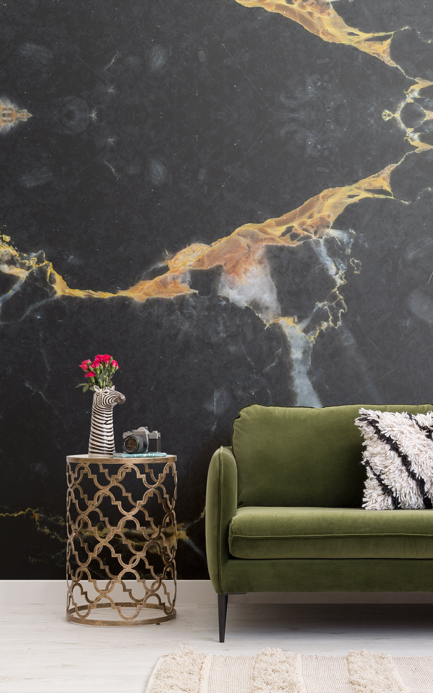 black and gold dark marble wallpaper