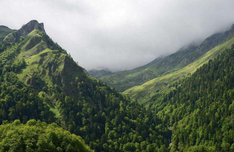 pyrenees-landscape-plain-wall-murals