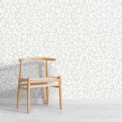 white-and-grey-painted-leopard-print-repeat-pattern-wallpaper